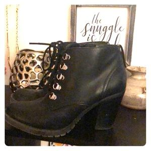 Steve Madden Black booties